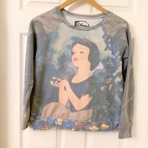 Disney | Snow White Graphic Sweatshirt | Small